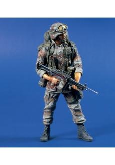 Figurina soldat  cu mitraliera SOW, 120mm
