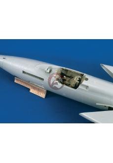 Set upgrade cabina si tun kit  F-105 D, scara 1:32